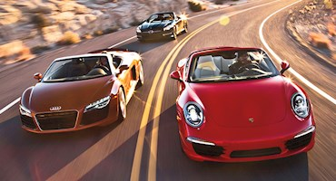 مقایسهآئودی آر ۸ اسپایدر مدل ۲۰۱۴ و پورشه ۹۱۱ کاررا اس مدل ۲۰۱۳
