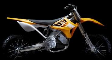 موتورسیکلت الکتریکی ردشیفت MX در مسابقات موتورکراس، مقابل موتورهای بنزینی رقابت می کند