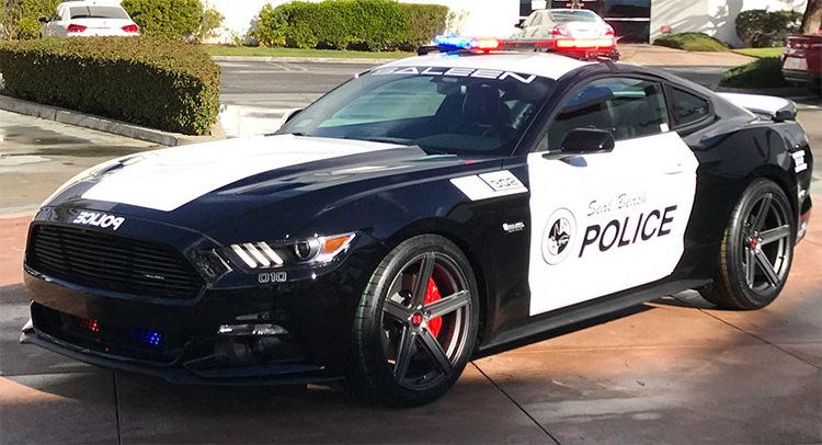 Police Car / خودروی پلیس