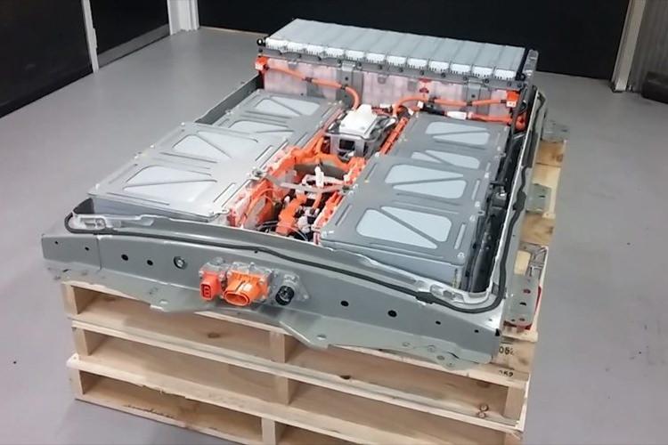 Nissan LEAF / باتری خودروی الکتریکی نیسان لیف