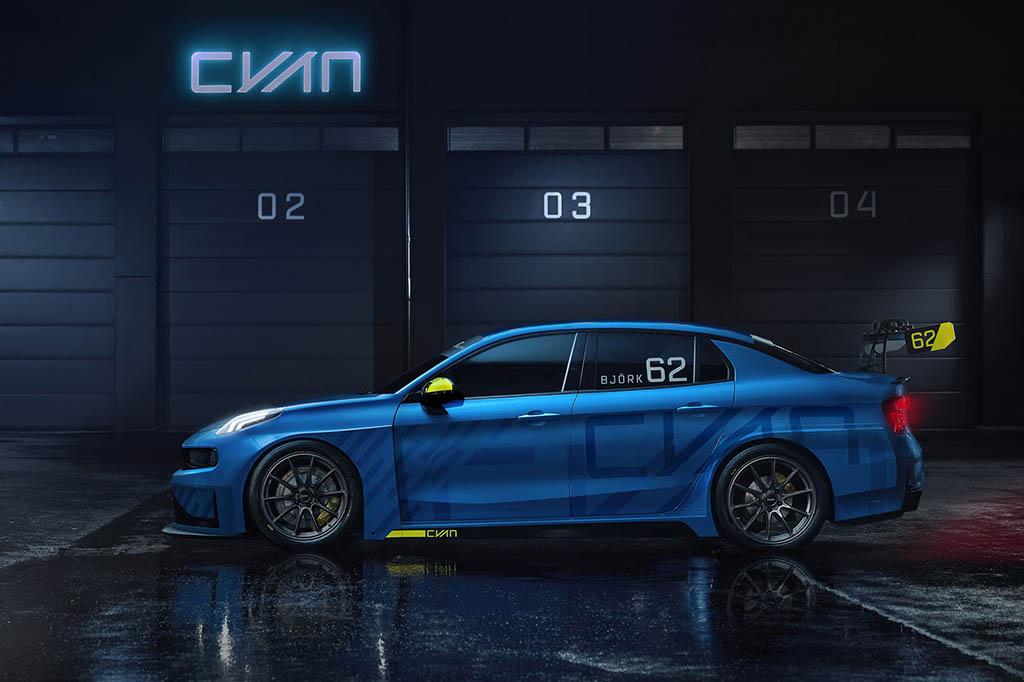 قرارداد شرکت خودروسازی لینک اند کو با بهترین راننده تورینگ امضا شد