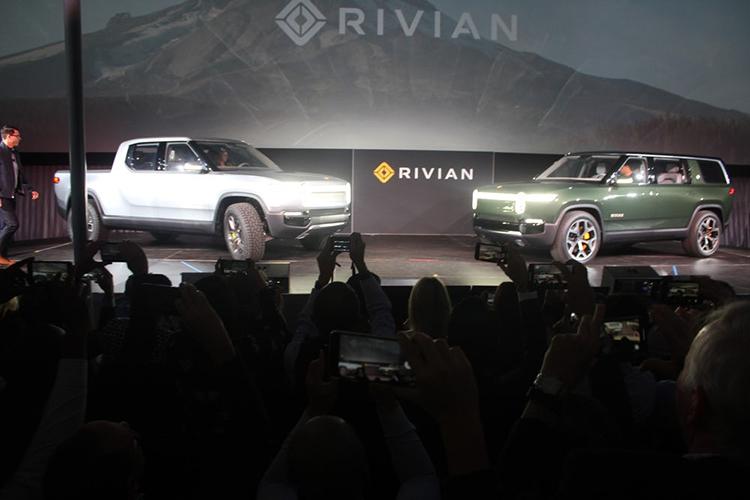 Rivian R1T electric pickup / وانت پیکاپ برقی ریوین