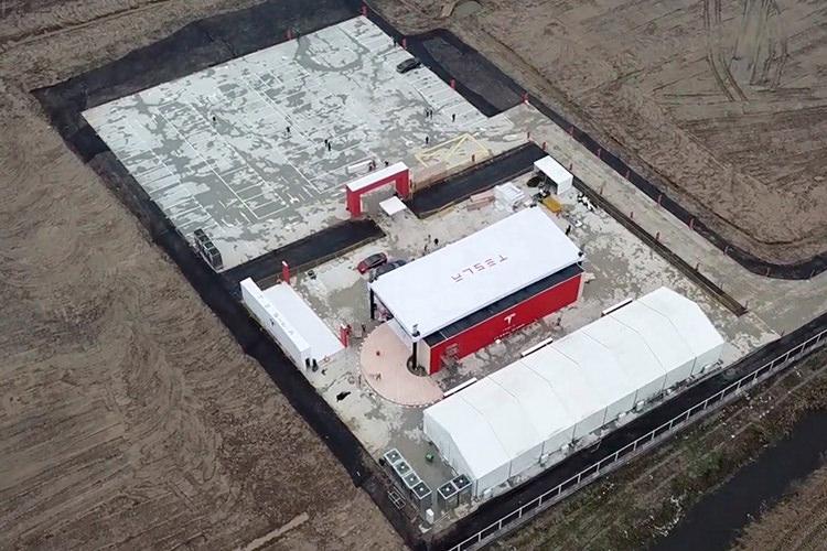 Tesla Gigfactory / تسلا گیگافکتوری