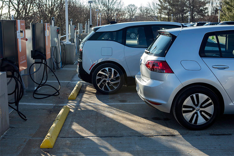 electric car battery charger / شارژر باتری خودروی الکتریکی