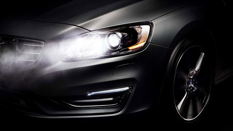 Automatic High-Beam Headlights / نور بالای خودکار چراغهای جلو