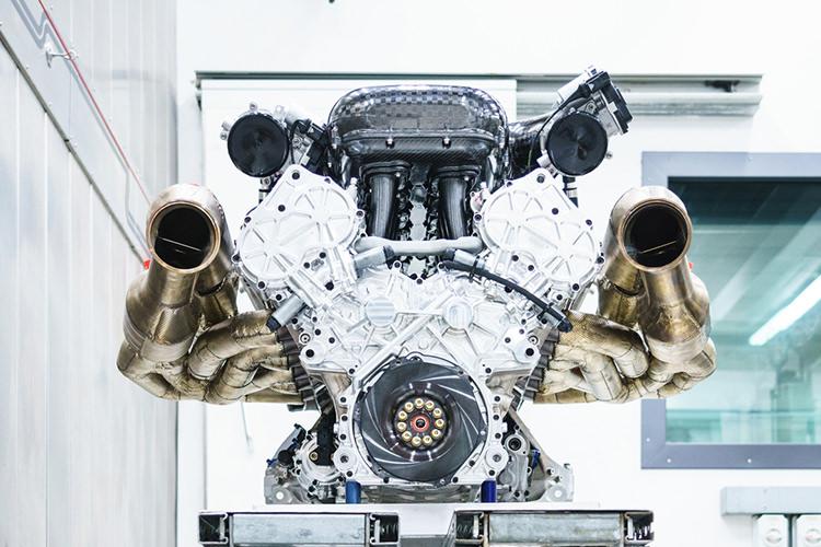 Aston Martin Valkyrie Engine / استون مارتین والکری