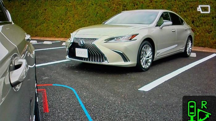 Lexus ES Digital Outer Mirror