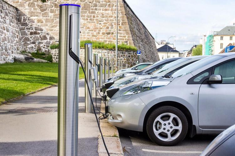 جایگاه شارژ خودروی الکتریکی