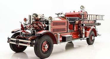 با کامیون آتشنشانی کلاسیک Ahrens-Fox N-S-4 آشنا شوید
