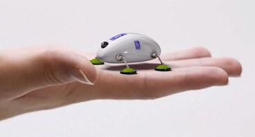 میکرو ربات رولزرویس به کمک مکانیک های هواپیما میرود
