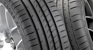 خط مسابقه - مقایسه تایرهای معمولی و تایرهای مخصوص مسابقه