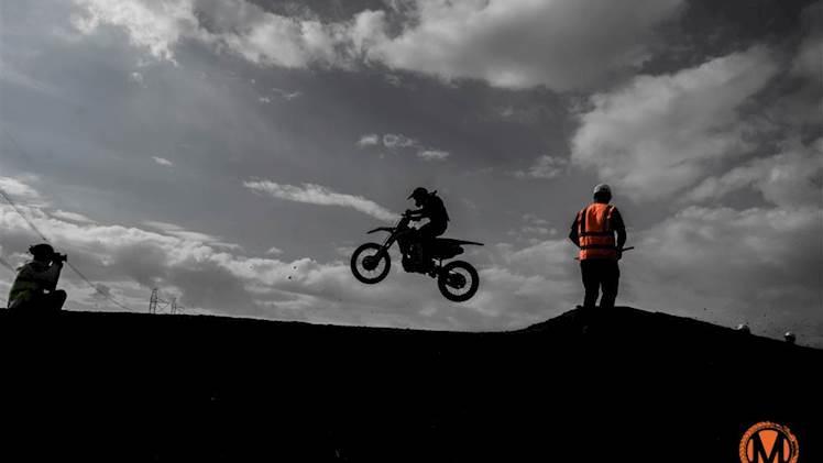 مرحله دوم از مسابقات موتور کراس بانوان قهرمانی کشور برگزار شد + عکس