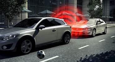 نصب ترمز اضطراری خودکار در 40 کشور جهان الزامی شد؛ درایران حذف ترمز دیسکی از محصولات ایران خودرو