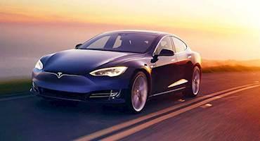دولت آمریکا چه مشوقهایی برای خرید خودرو الکتریکی ارائه میکند؟